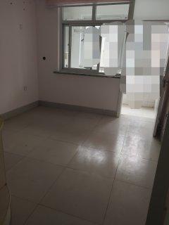 东阿县(城中心)东阿一中家属院2室2厅1卫72m²简单装修