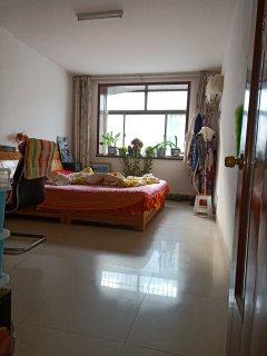 东阿县一实小学区房,三室两厅的房子带储藏室车位