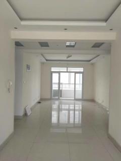 东阿3室2厅2卫133m²简单装修出售