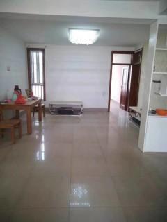 东阿3室2厅1卫110m²简单装修出售