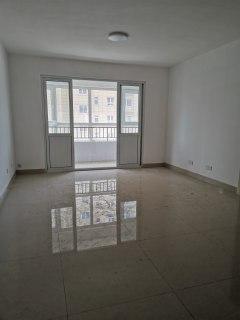 3室2厅1卫118m²中档装修
