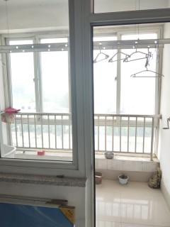 东阿(城南区)光明居一期2室2厅1卫简单装修出售