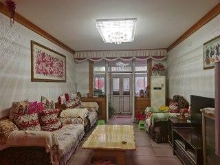 东阿清华博园,一楼带80平院子,三室134平75万